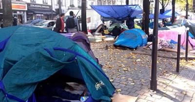 """Migranti, Hollande: """"Sgombereremo anche il campo profughi di Parigi"""""""