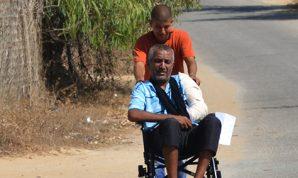 Sillas de ruedas donadas hacen la vida un poco más fácil para las personas discapacitadas en Gaza
