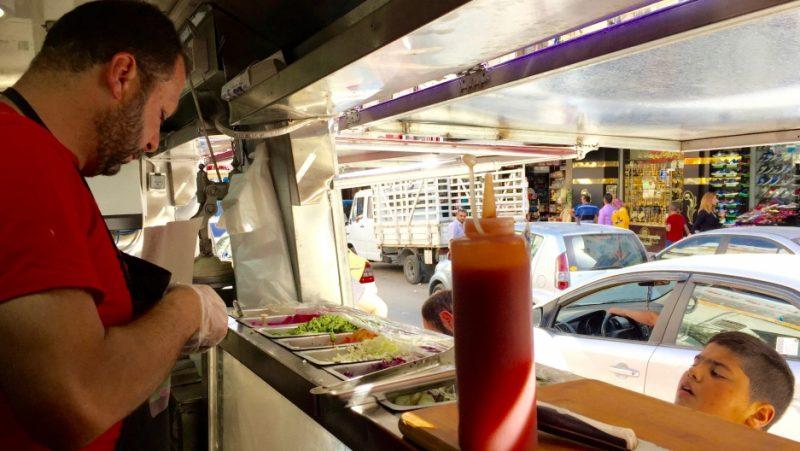 Dos ex prisioneros palestinos abren el primer food truck de Ramala
