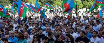 Azerbaiyán: Diez años de cárcel para un activista juvenil que hizo una pintada, una parodia de la justicia