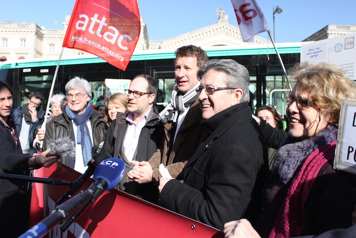 A gauche, des eurodéputés unis contre le traité CETA de libre-échange