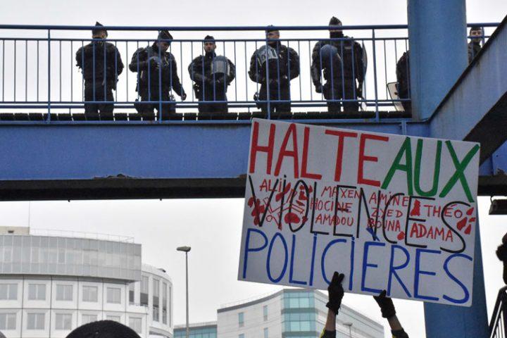 Manifestation en soutien à Théo : un appel persistant pour la justice et le respect.