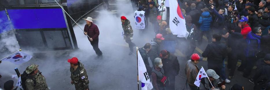 Sud Corea, votato l'impeachment al presidente Park: scontri e vittime