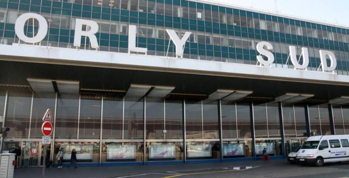 Parigi: sparatoria all'aeroporto di Orly, ucciso l'assalitore