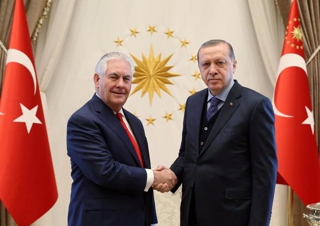 """Rex Tillerson: """"El futuro de Asad lo decidirán los sirios"""""""