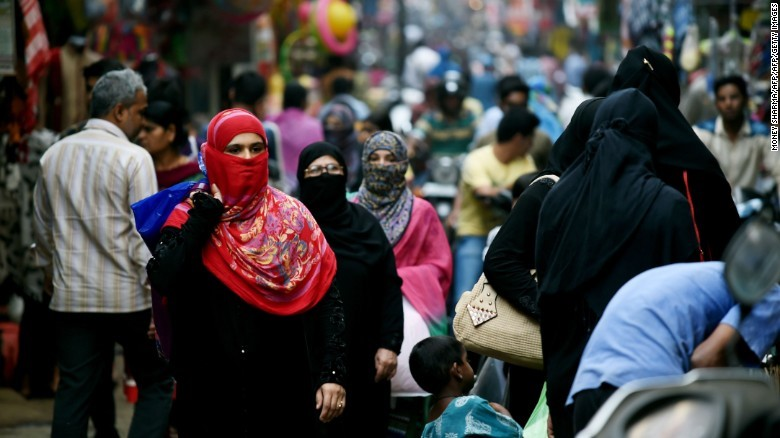 INDIA – OVER 1 MILLION MUSLIMS SIGN A PETITION TO END THE CONTROVERSIAL DIVORCE PRACTICE OF TRIPLE TALAQ