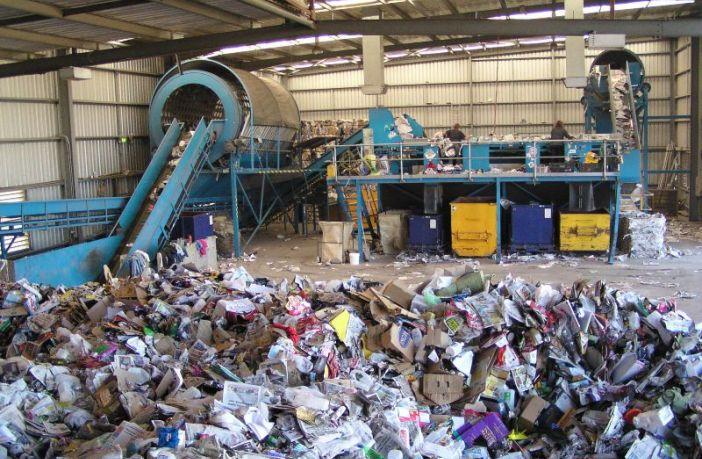 Il ciclo dei rifiuti, un'eterna emergenza italiana