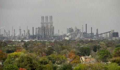 Sur les côtes du Texas, les banques françaises se mouillent une nouvelle fois du côté de Trump contre la justice climatique
