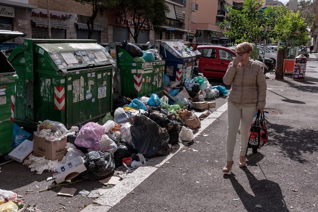 La crisi dei rifiuti a Roma è ciclica e ha bisogno di interventi strutturali