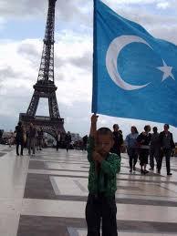 Hanno Schedler – Allein aufgrund ihrer ethnischen Abstammung werden Uiguren oft Opfer von Willkür und Verfolgung.