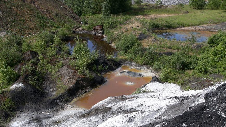 Pollution à l'acide : quelles suites pour ArcelorMittal, Suez et le lanceur d'alerte ?