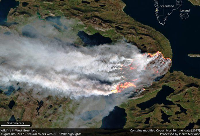 Pendant ce temps, les flammes ravagent les côtes du Groenland
