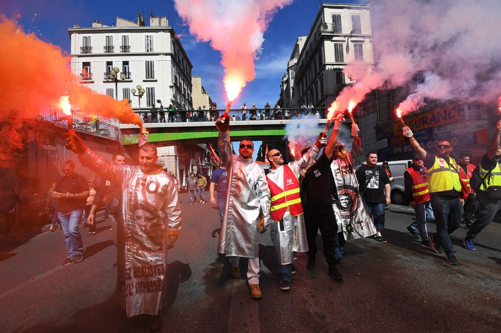 La riforma del lavoro francese minaccia dei diritti fondamentali