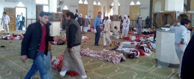 """Egitto, attentato in una moschea nel Sinai durante la preghiera del venerdì: """"235 morti e 109 feriti"""""""
