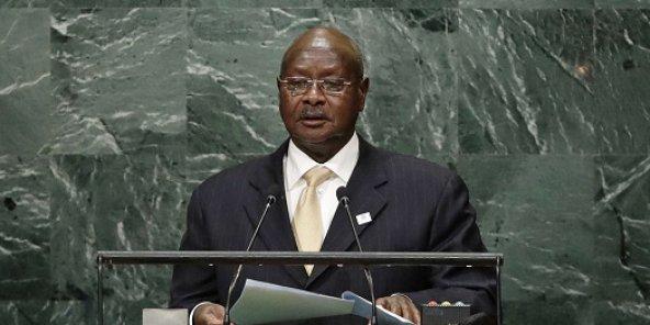 Ouganda : des journalistes arrêtés pour un article évoquant un complot de Museveni contre Kagame