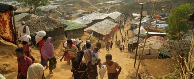 """Rohingya, la denuncia di Msf: """"In un mese uccise 6700 persone. 730 sono bambini"""". Il Papa: """"Gesù ha il loro nome"""""""