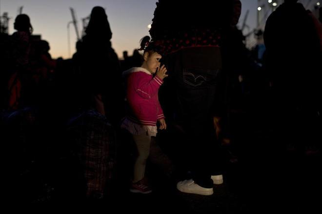 Acoso sexual e insalubridad: la vida de las refugiadas de los campos en Grecia