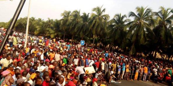 Manifestations au Togo: des milliers de personnes à nouveau dans les rues de Lomé