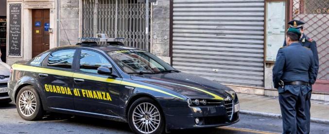 """Lamezia, """"abusi sessuali su una 14enne"""": fermato un consigliere di Forza Italia"""