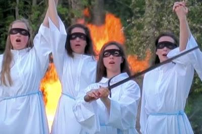Les Brigandes : mais qui sont ces chanteuses masquées qui font polémique ?