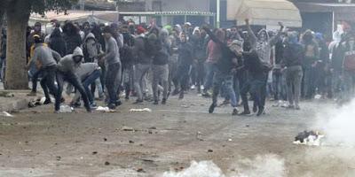 Tunisie : les protestations continuent, le gouvernement dénonce des actes de vandalisme