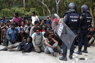 Spagna – Il maltempo non frena sbarchi migranti a Ceuta e Melilla – Oltre 80 in 48 ore