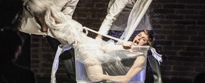La Sirenetta, a teatro la fiaba di Andersen è metafora dell'identità sessuale degli adolescenti. 'Si sentono sirene tra umani'
