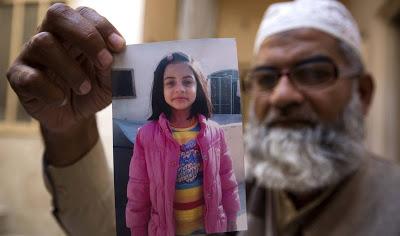 Condenado a muerte el asesino y violador de una niña de siete años en Pakistán