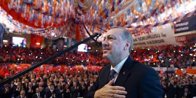 """La Turchia rivendica: """"Siamo uno stato di diritto"""", ma l'arresto dei sei giornalisti mobilita le associazioni. L'appello della Fnsi all'Europarlamento"""