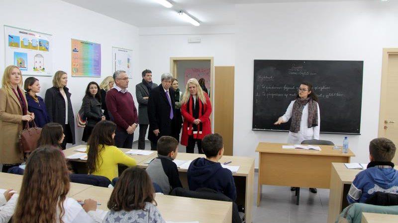 En Albanie, l'école qui efface le souvenir de la dictature d'Enver Hoxha