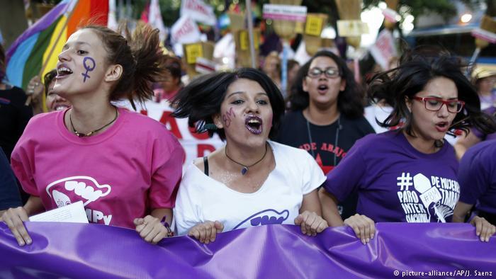 Paraguay, donde la fe le gana la batalla a los derechos humanos