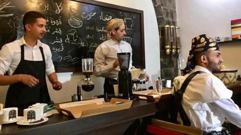 Houthi militiamen storm mixed-gender hotel café in Yemen's Sanaa