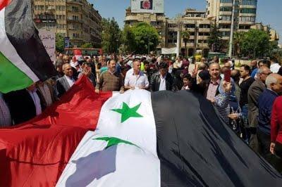 💥 SPECIAL SYRIA _ Miles de manifestantes sirios condenan agresión de EE.UU.