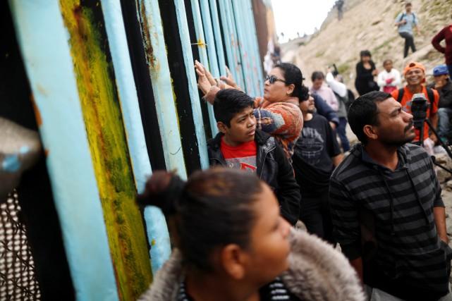 Au moins 150 migrants à la frontière mexico-américaine