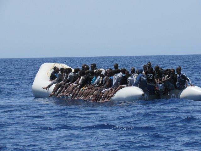 Clandestini in calo dalla Libia, in aumento lungo la rotta balcanica