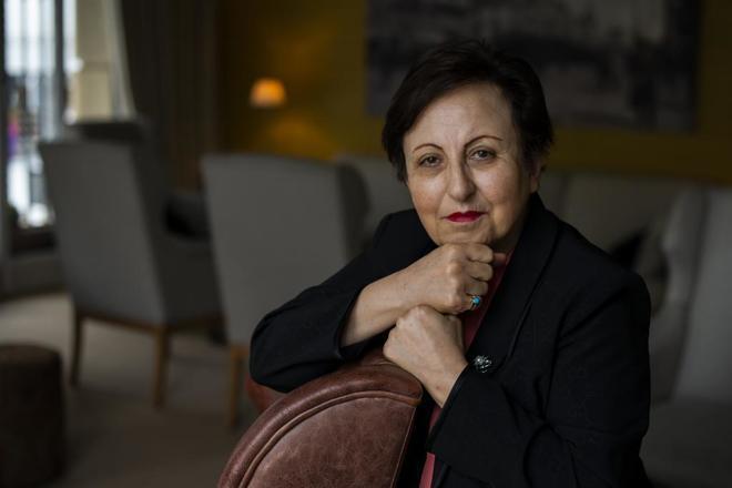 """La Nobel de la Paz Shirin Ebadi: """"No es posible reformar el régimen iraní, hay que derribarlo"""""""