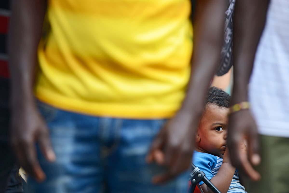 Bambini migranti e soli nel mirino di criminali e politici