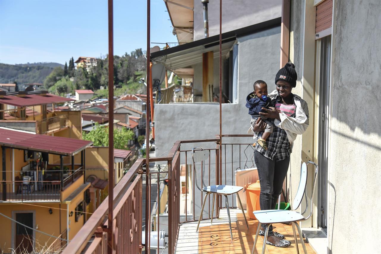 Quando le famiglie accolgono i migranti a casa propria