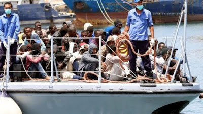 Migrant crisis: Many missing after boat disaster off Libya