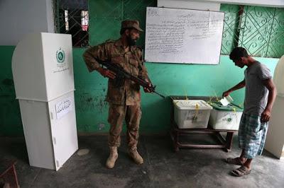 La violencia empaña las elecciones generales en Pakistán