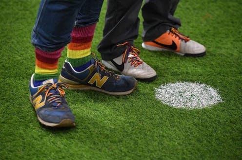 Fútbol: la homofobia sigue ganando por goleada