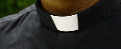 """Calenzano, arrestato prete di 70 anni: sorpreso da un passante in auto con bimba. """"Non era la prima volta"""""""