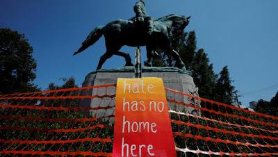 Un an après Charlottesville, l'extrême-droite a rendez-vous à Washington