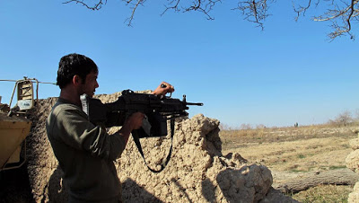 Afghanistan: l'armée perd une base dans le Nord au profit des talibans