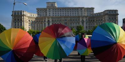 La Roumanie veut inscrire l'interdiction du mariage gay dans sa Constitution en passant par un référendum