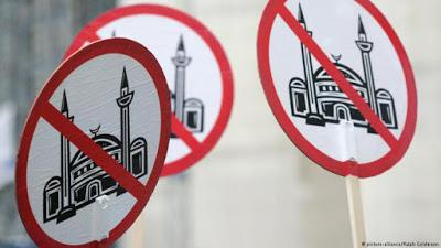Criticism of religion? Blatant racism!