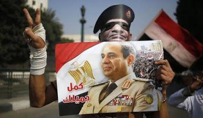 EGITTO. Al-Sisi al lavoro per darsi i super-poteri