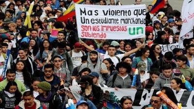 Congresistas colombianos piden a Duque dialogar con estudiantes
