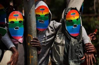 Tanzania, è caccia al gay: arresto, deportazione, rischio morte