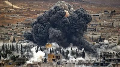 Bombardeo de la coalición de EE.UU. deja 30 muertos en Siria